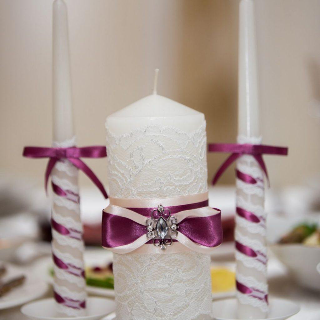 Klassische Hochzeitskerze